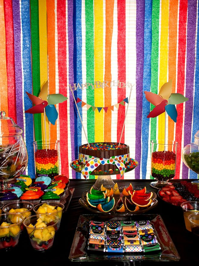 crayonparty! Wish i would did some of these things for Taylors 2 crayon birthday party