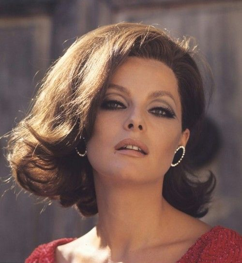Virna Lisi 1966. Strikingly similar to Michelle Pfeiffer.