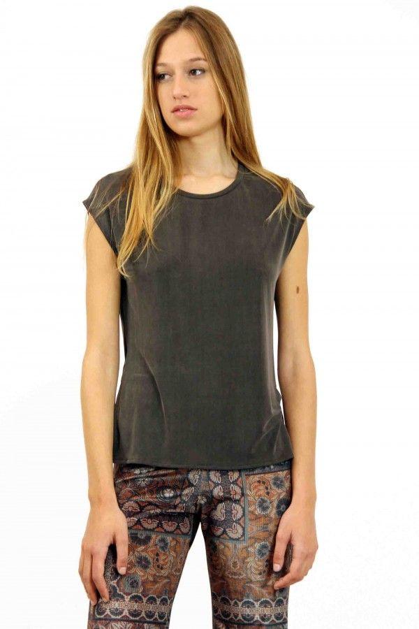 Camiseta cupro sin mangas, cuello redondo en color antracita, cupro shirt,  grey shirt