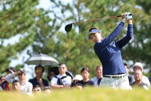 撮れたて!トーナメントLIVE PHOTO NOBUTA GROUP マスターズGCレディース(no51222) ツアー情報   ゴルフのポータルサイトALBA.Net