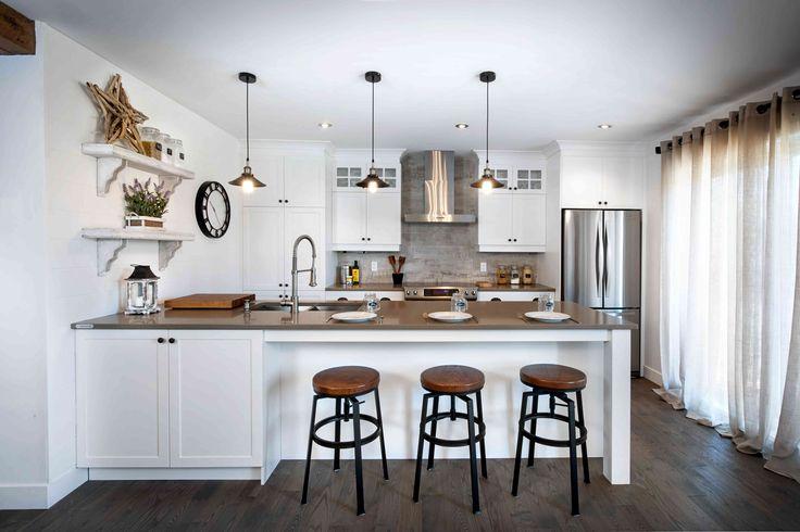 Offrez-vous une cuisine apaisante où s'allient le confort et le bon goût. Un doux mélange de blanc satiné et de riche pruche vous enveloppera… Découvrez la LOUBIAS !