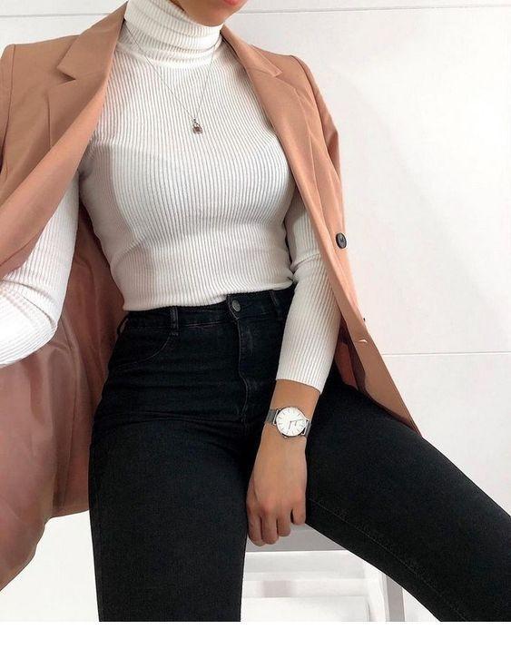 Pantalon noir et chemisier blanc | Dames inspirantes