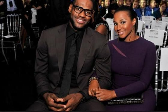 LeBron James & wife Savannah – He may be King James on the Court, but she is wayHotter!