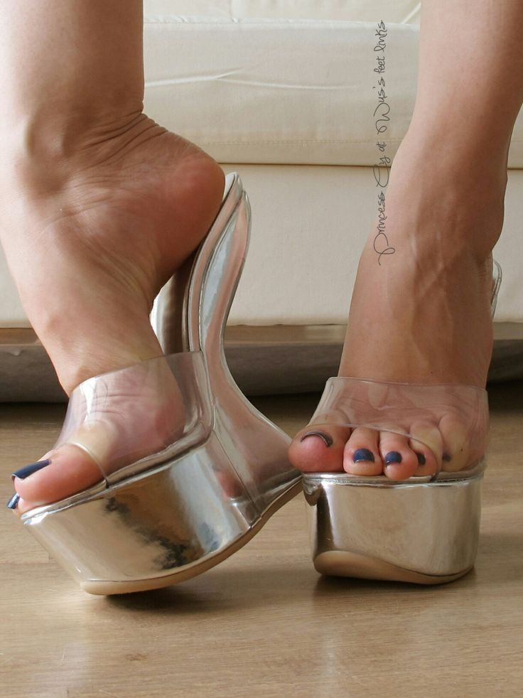 High heels feet sexy and