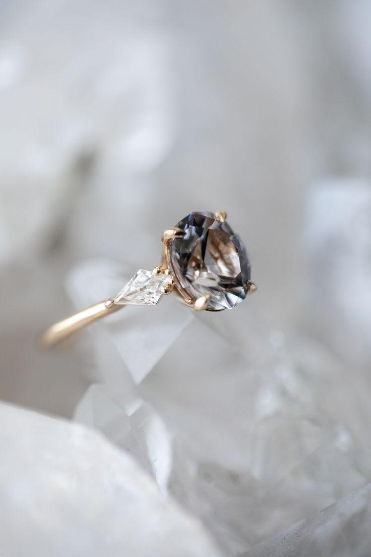 Anéis de noivado / Espinélio cinza / Crescimento e cooperação # Crescimento # Crescimento #Anéis …   – wedding inspiration