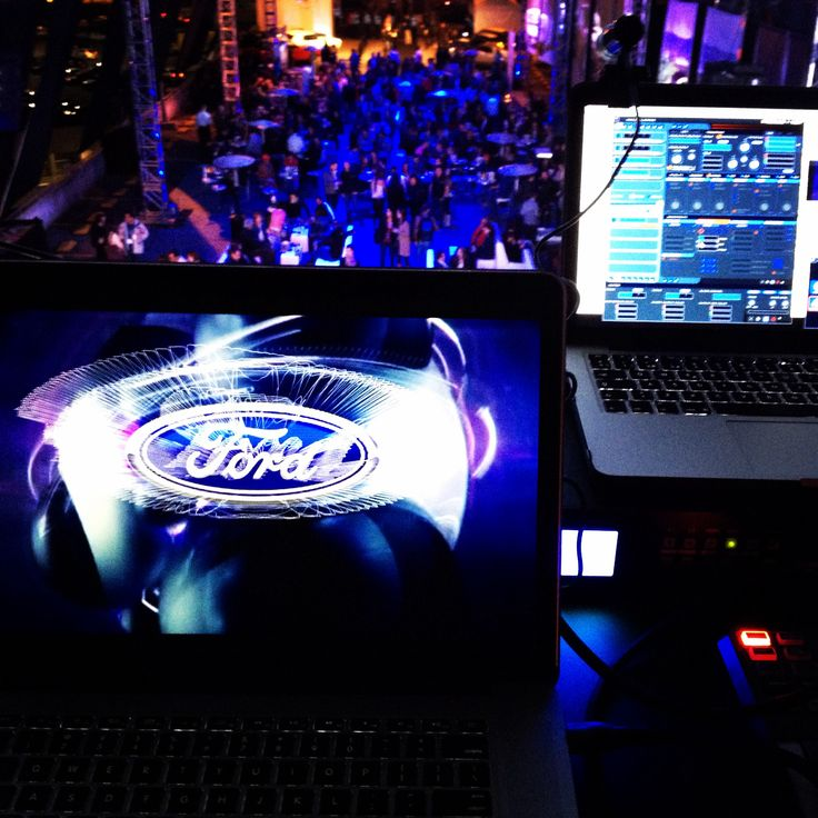Vj set, Ford mustang party