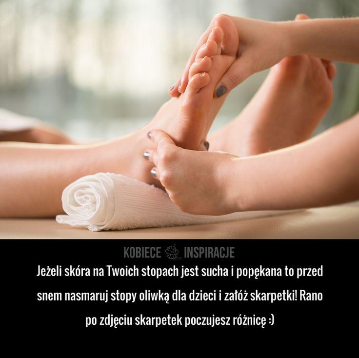 Jeżeli skóra na Twoich stopach jest sucha i popękana to przed snem nasmaruj stopy oliwką dla dzieci i załóż skarpetki! ...