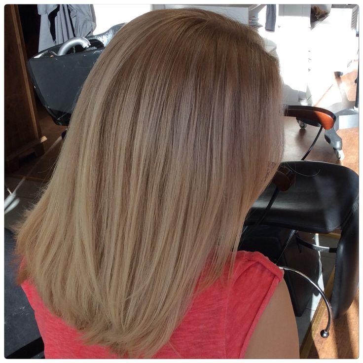 Vaaleat caramel hiukset ja raidat- blond caramel with babylights