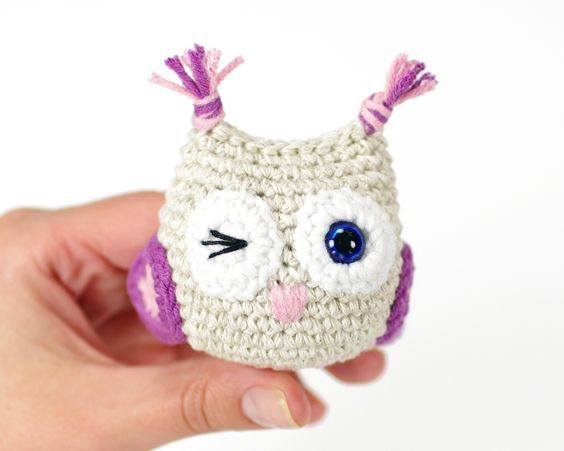 "free toy owl pattern - Size About 6cm (2 1/3"") tall, with DK weight linen and cotton blend (50g = 100m) and a 2,50 mm crochet hook (US size 2/C).   Skills required • Single crochet stitch • Half double crochet stitch • Magic ring • Crocheting in spiral  • Increasing  • Decreasing  • Finishing and joining pieces."