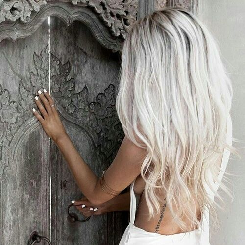 love her grey / white hair