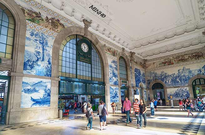 Estação de São Bento, Porto among World's 20 Most Beautiful Train Stations - via Fodor's Travel 04.11.2015 | Occupying the site of the former convent of S. Bento de Avé-Maria, the Estação de São Bento is celebrated for its exquisite blue and white mural depicting scenes from Portugal's history. It took artist Jorge Colaço 14 years to complete the masterpiece made of 20,000 tin-glazed ceramic tiles. #portugal #travel