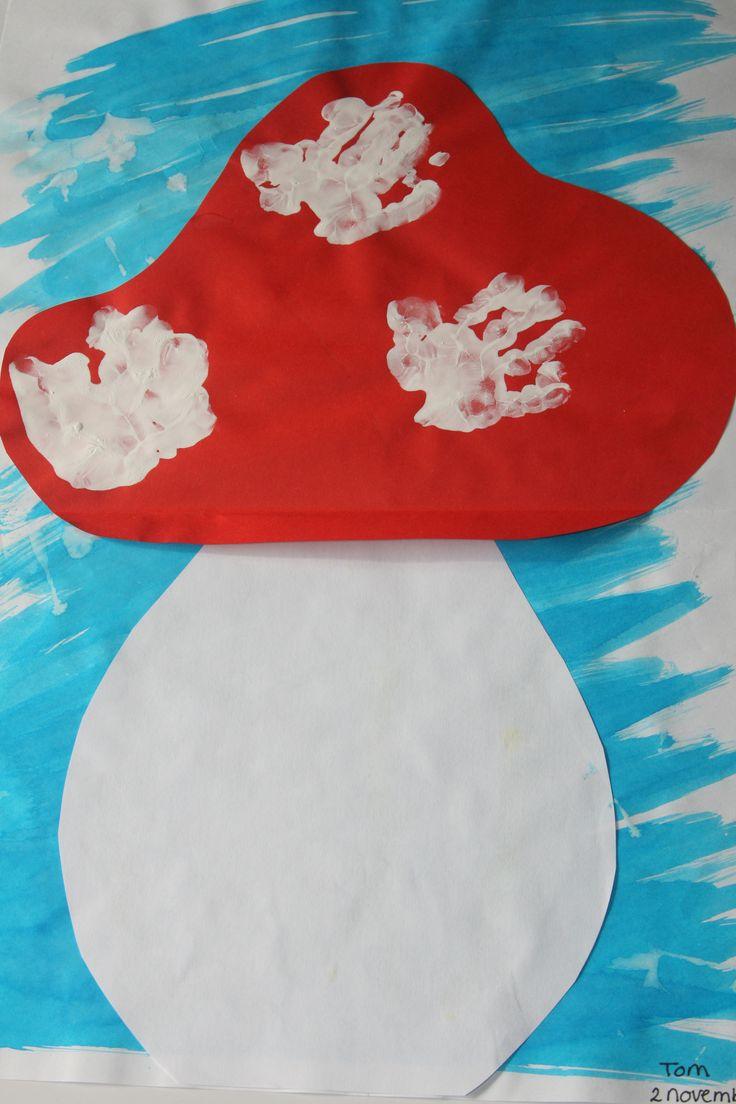 De stippen op de hoed zijn de eigen kinderhandjes!