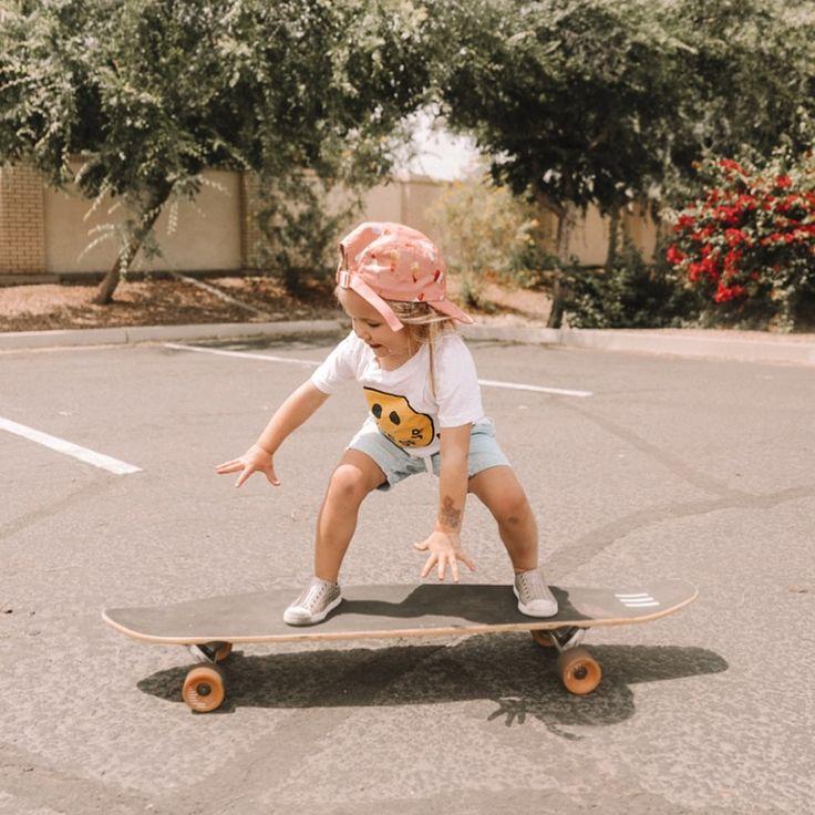 Rosie ist Skateboard-besessen und hat Unterricht mit Papa! Sie meint es ernst …   – Kids of Narnia