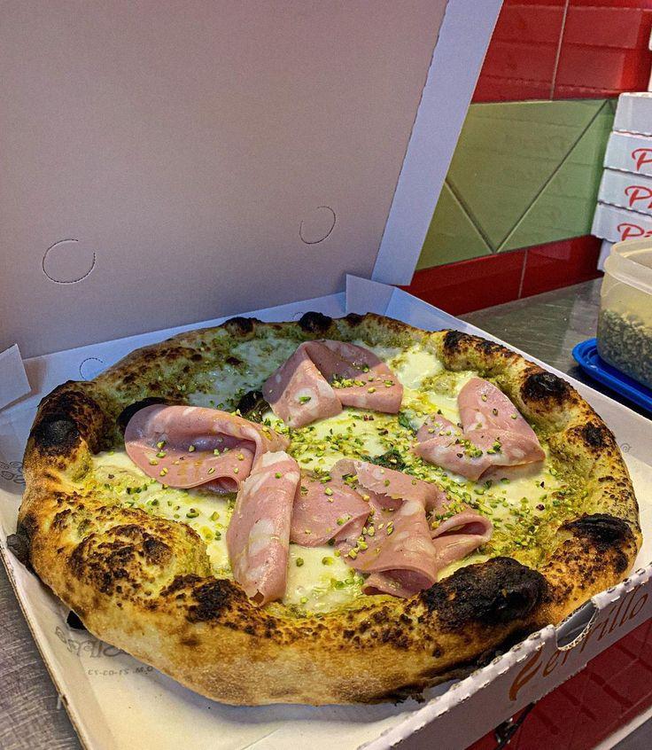 """Pizzeria Ferrillo on Instagram: """"Delivery fino alle 23🛵 Cosa aspetti?❤️ ☎️ 081 7146941 📍Via Caravaggio,33 NA • • • • • • • • • • • #pizza #food #foodporn #pizzatime…"""""""