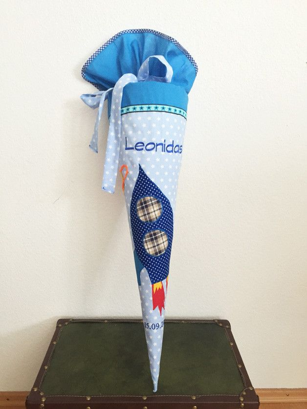 Inspiration für den Schulanfang und die Einschulung: Schultüte Rakete, Weltall, Kissenbezug / inspiration for the first day of school made by Peques Mode via DaWanda.com