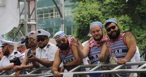 Decenas de miles de personas tomaron Paseo de la Reforma y sus calles aledañas para realizar la XXXVII Marcha del Orgullo Lésbico, Gay, Bisexual, Transgénero, Transexual e Intersexual (LGTTTI). Desde las 10 de la mañana los manifestantes comenzaron a reunirse en el Ángel de la Independencia. La marcha es considerada para la comunidad lésbico-gay […]