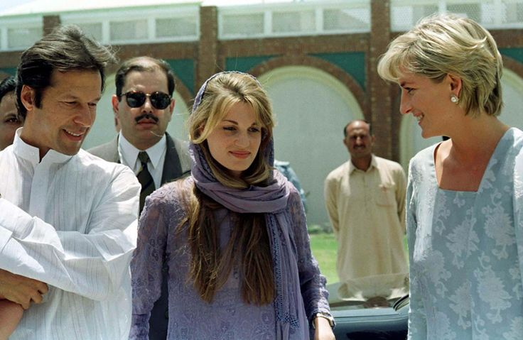 May 22, 1997: Diana, Princess of Wales visiting the Memorial Cancer Hospital founded by international cricketer, Imran Khan, husband of Jemima Goldsmith, a friend of Diana's.
