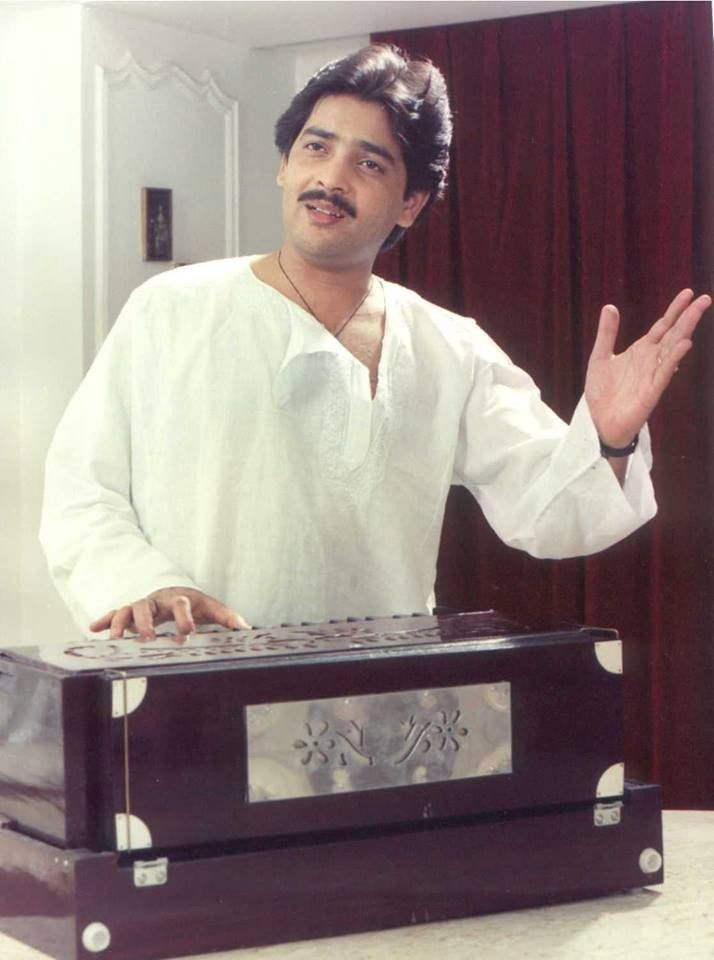Bollywood's evergreen singer Udit Narayan turns 62 years today. (01/12)