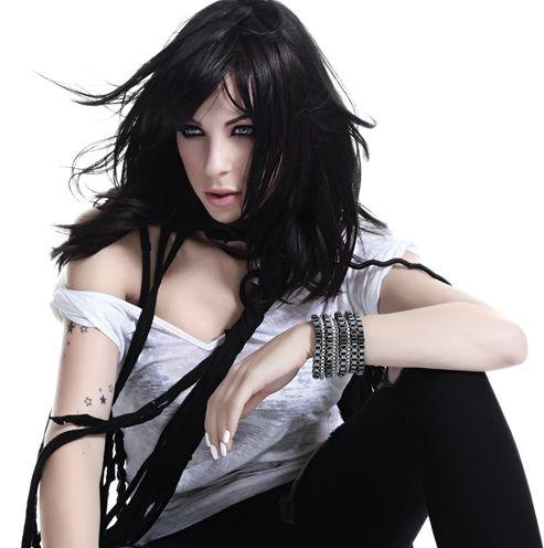 Mid length haircut, black color - Marie Mai