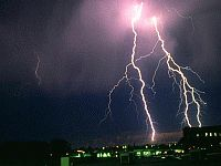 Государственная служба Украины по чрезвычайным ситуациям, ссылаясь на Херсонский областной центр гидрометеорологии, делает очередное штормовое предупреждение.
