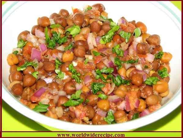 Spicy Cornflakes Chana Chaat