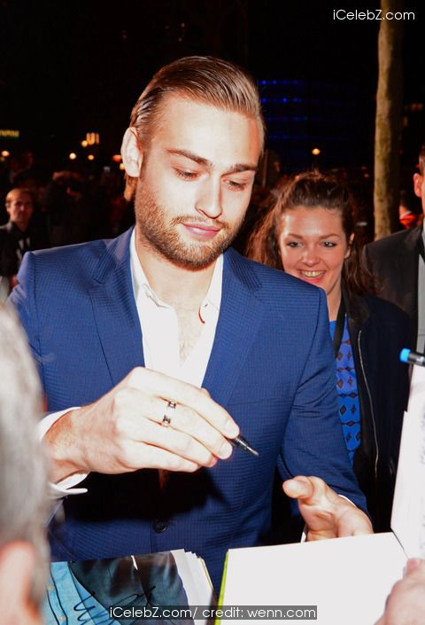 Douglas Booth German Premiere of 'Noah' at Zoo Palast movie theater http://www.icelebz.com/events/german_premiere_of_noah_at_zoo_palast_movie_theater/photo12.html