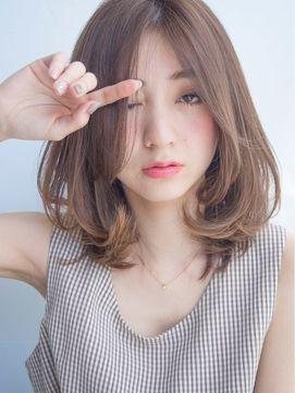 XXXY'S AVEDA六本木店 【サイズアヴェダロッポンギ】 アッシュベージュミディアムレイヤー