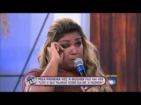 Ex-peoa Yani se emociona ao falar da mãe no palco do Melhor do Brasil http://newsevoce.com.br/afazenda/?p=2371