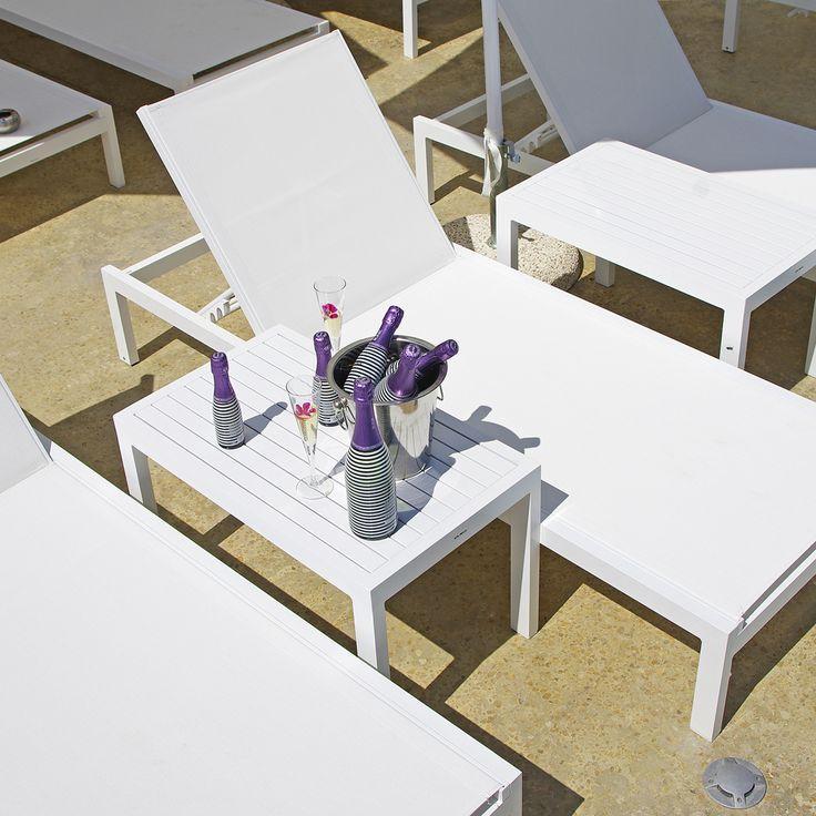 #summerescape #sparklingwine #sparkling #wine #bubbles #bythe sea #sparkling #moments #enjoy