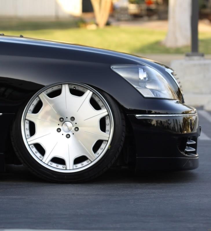 Lexus LS430...