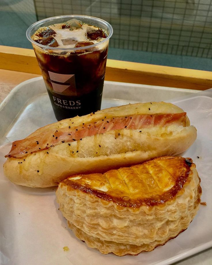 今日のランチ✨����☕️ ベーコンとポテトサラダのバケットとアップルパイ���� Today's lunch ✨����☕️ Baguette in bacon with potato salad, and apple pie ���� #カフェ #コーヒー #パン #アップルパイ #cafe #coffee #bread #cafetime #baguette #applepie #lunch #friend #food #foodporn #foodpic #foodgasm #foodstagram #foodie #delish #instafood #instayum #instadaily #instaeat #yummy #yummyfood #japanesecuisine #japanese #japan #���� #friend #followme http://w3food.com/ipost/1510762912896089867/?code=BT3Tt1rAX8L
