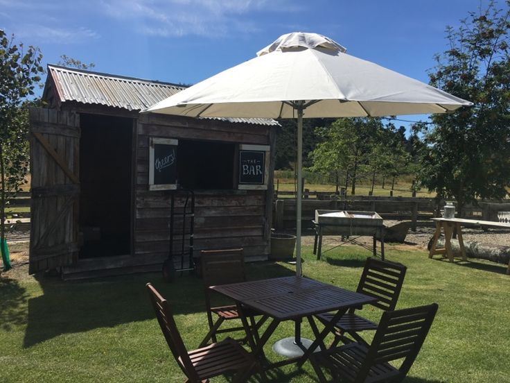Our fabulous Rousey Hut bar