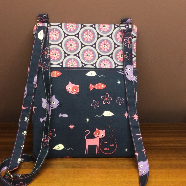 "Over the shoulder bag ""Catz"" Back"