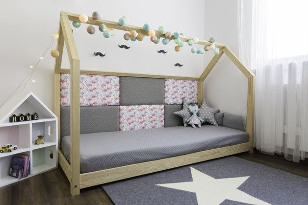 Bett – Holzhaus ist ein perfekter Ort zur Erholung und Spiel für jedes Kind. Am Tage dient das Haus zum Spielen, in der Nacht kann man gut schlafen. Durch die skandinavische Einfachheit eines...