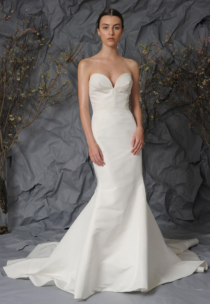 Strapless, satin mermaid gown | Austin Scarlett Spring 2017 | https://www.theknot.com/content/austin-scarlett-wedding-dresses-bridal-fashion-week-spring-2017