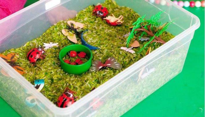 Como fazer uma caixa sensorial?