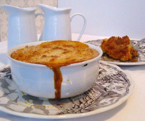 """Ho già manifestato più volte il mio attaccamento al cibo inglese, strano ma vero, è così! , e questa è una ricetta molto facile ma buona, buona. In inglese si chiama """"Shepherd's pie"""" cioè """"pasticcio del pastore"""". In orgine la carne usata è di agnello,..."""