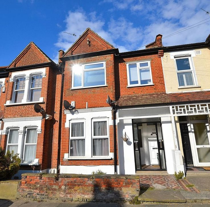 Beautifully Presented 3 Bed Maisonette with Garden  #Bromley  http://www.vincentchandler.co.uk/properties-for-sale/property/6714607-morgan-road-bromley