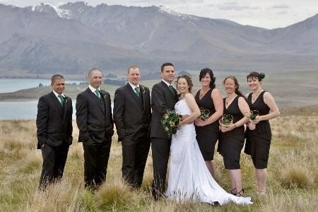 Large brides tear drop bouquet. www.flaxation.co.nz