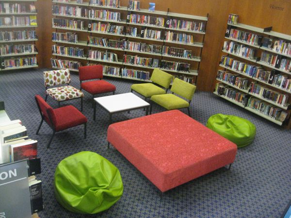 Today's Library postcard was sent to us by Anita Vandenberghe from Saint Kentigern College, a school library in Auckland New Zealand: