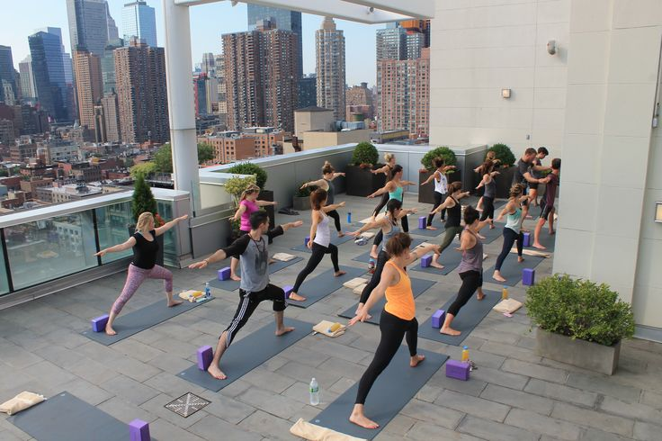 This Company Is Making NYC Rooftops the New Yoga Studios - Racked NY