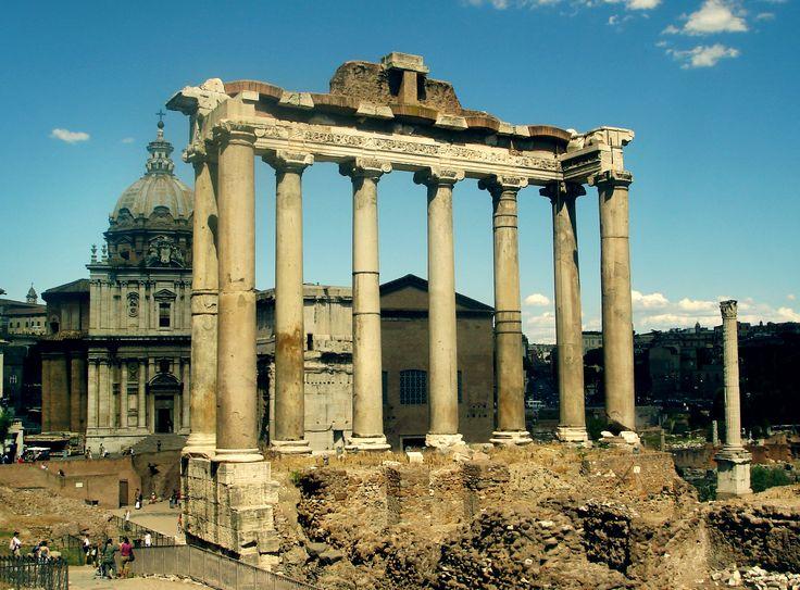 TEMPLO DE SATURNO. Foro Romano. Roma, Italia.