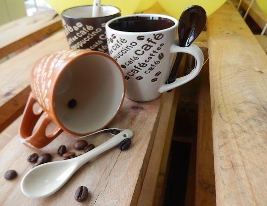 Pentru multi dintre noi este cafeaua ca si un elixir. Cine isi doreste o cana deosebita ptr. cafea la locul de munca?