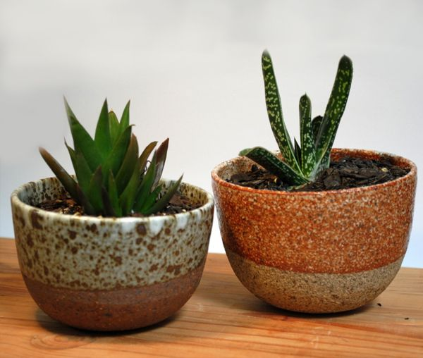 Planters, speckled & rust