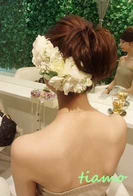 ナチュラルアップから人気の花冠スタイルへ♪リハ編 |大人可愛いブライダルヘアメイク『tiamo』の結婚カタログ|Ameba (アメーバ)