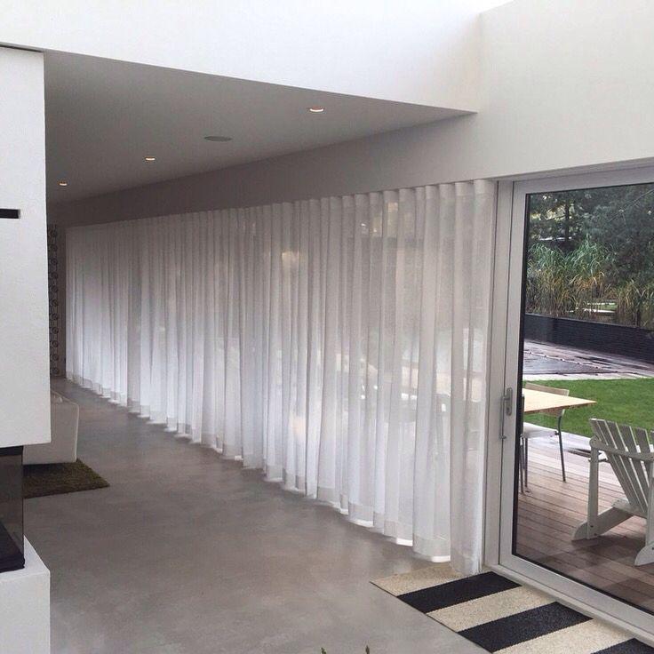 Böljande gardiner med Wave. Perfekta vågor även när gardinen dras för.