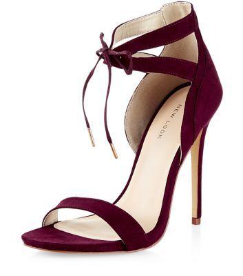 Chaussures à talons bordeaux avec découpes et lacet devant