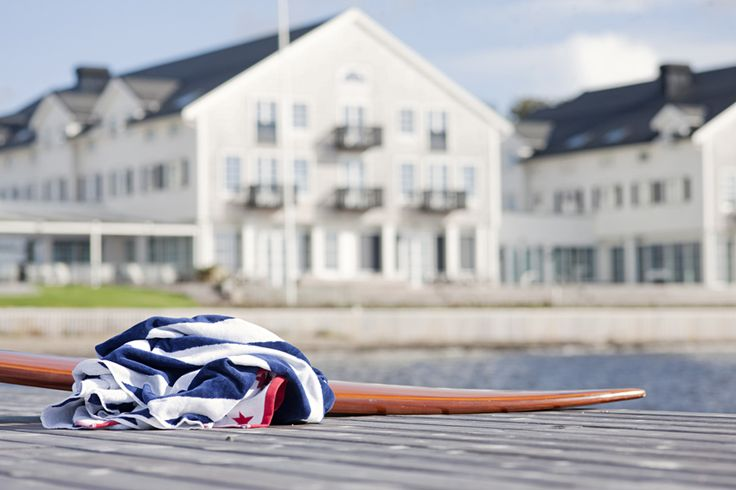 Støtvig Hotel ligger i tettstedet Larkollen i Rygge kommune i Østfold. Hotellet ligger i en lun bukt – Støtvigbukta, eller Baugen fra gammelt av. Velkommen.