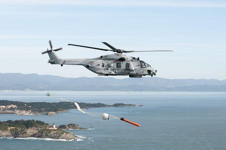 13/03/2015 Sources : Marine nationale   Ce vendredi 13 mars 2015 restera une date importante pour le Caïman Marine qui devient un hélicoptère de combat ASM à part entière suite à la déclaration par l'état-major de la marine d'une première capacité opérationnelle de tir de la torpille MU90.   C'est un jalon capacitaire majeur pour le couple FREMM/Caïman qui peut maintenant «traiter» avec encore plus d'allonge les menaces sous-marines les plus modernes en toute autonomie.   L'aventure Caïman…