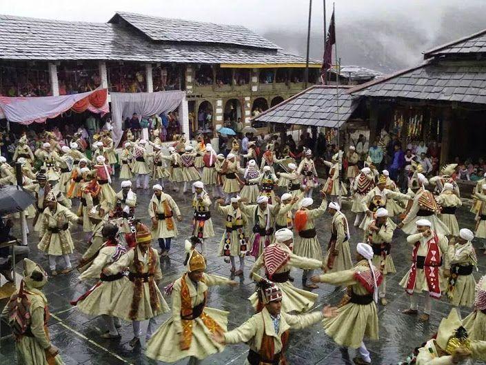 http://himachalpradeshinfo.tumblr.com/post/121913377527/villagers-of-bharmour-chamba